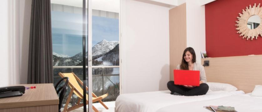 france_montgenevre_village_club_du_soleil_bedroom.jpg